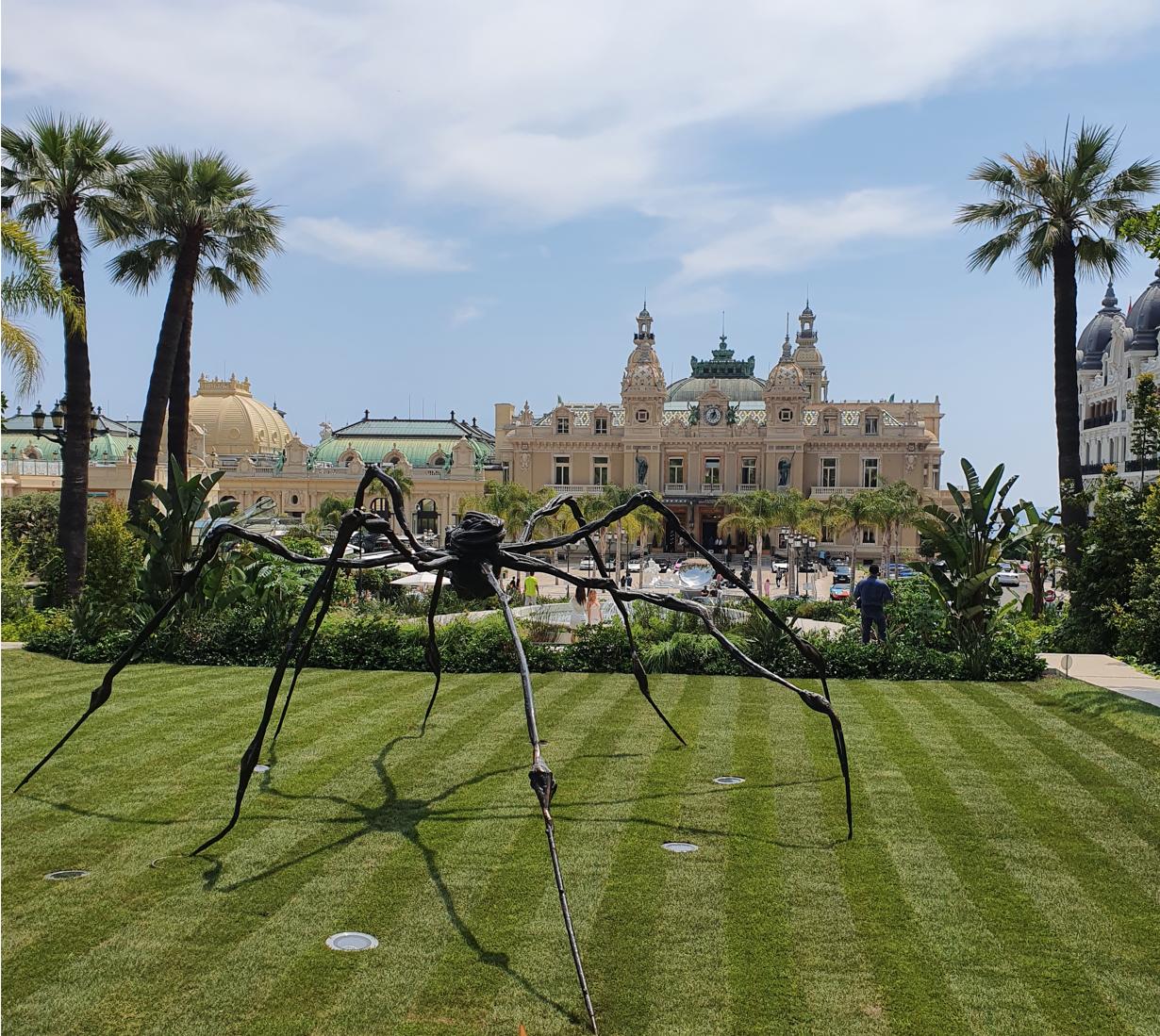 Musée - araignée -Louise bourgeois