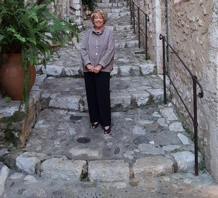 Elaine Macy Reiimagine - Monaco