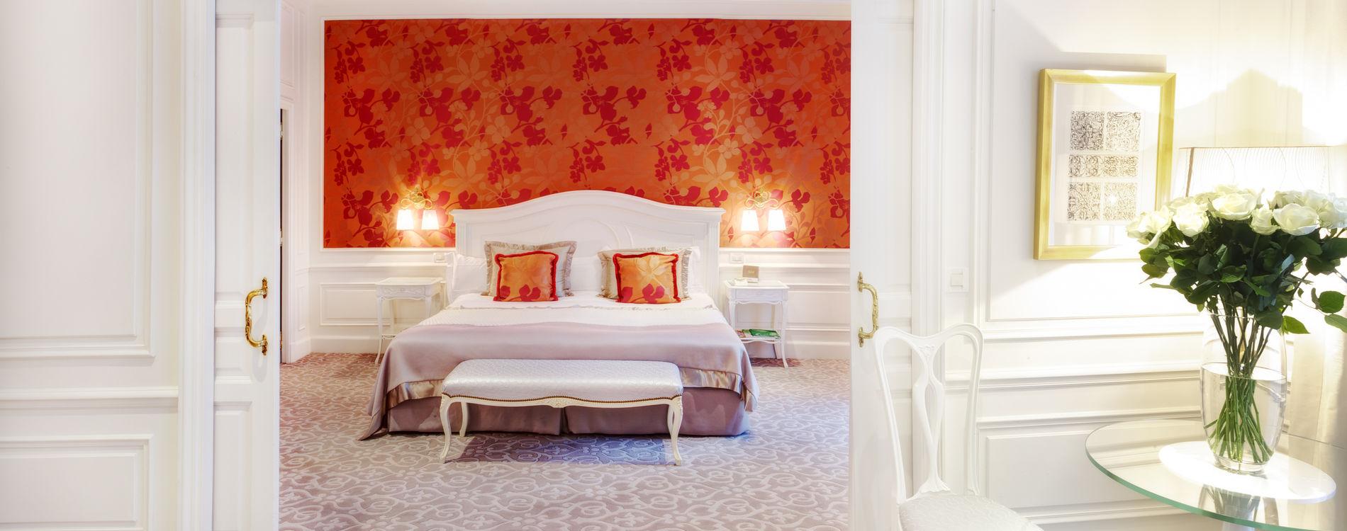 Hôtel Hermitage - Simple Suite Vue ville ou cour - Chambre