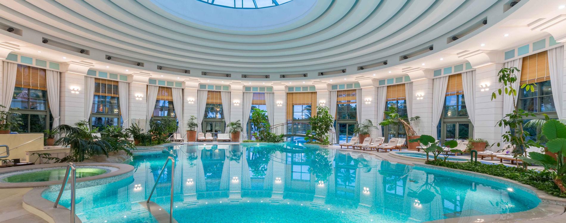 The Monte-Carlo Bay Hotel & Resort pool | Monte-Carlo